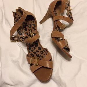 Jessica Simpson Brown Buckle Heels 🌼